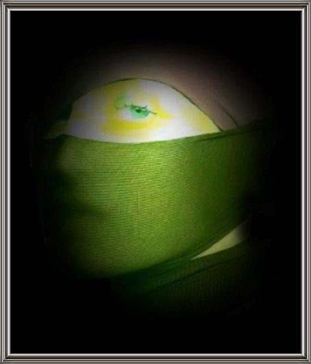 autoritratto in verde giallastro...